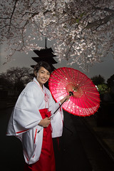 Miko and Sakura - model shooting (Apricot Cafe) Tags: portrait smiling japan shrine happiness cherryblossom cheerful relaxation shinto oneperson 20s meetupcom lifestyles sakura traditionaloutfit tokyo modelshooting miko spring tkyto canonef1635mmf28liiusm platinumheartaward taku modelreleaseready tokyostrobist ikegami honmonjitemple img612372
