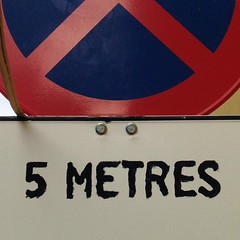 5 metres of fear #wayfinding #cartelesdelacalle #typography #calligraphy (alex dobano) Tags: typography 5 fear calligraphy wayfinding metres cartelesdelacalle