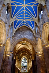 St Giles' Cathedral, Edinburgh (rachel.jones3) Tags: lighting blue church gold scotland edinburgh arch cathedral interior religion arches stgiles