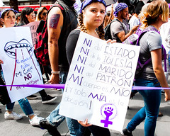 La decision en ma. (Yamileth Ruiz Avia) Tags: woman mujer women mujeres feminist feminists feministas 24a feminista marchafeminista vivasnosqueremos