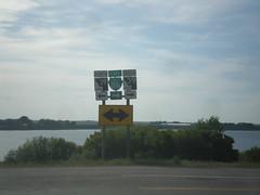 BL-86 East (Idaho St.) at ID-39 (sagebrushgis) Tags: sign idaho intersection shield americanfalls id39 bl86americanfalls