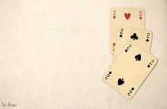 tris (Astralh) Tags: new old family winter light game cards waiting famiglia object age inside 40 tris insieme interno carte gioco vecchio et attesa giorno nuovo briscola oggetto giococarte wintergame scalaquaranta
