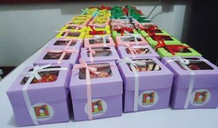 giveaways 12-2014 (pasteleriadeperez) Tags: cakes cupcakes philippines desserts sweets bicol baked bakeshop nagacity pilinuts camsur bicolregion cakepops lollicakes nagacupcakes bestofnagacity bestinbicol