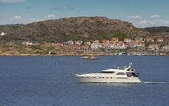 Fairline Squadron (oggiwara) Tags: sea summer sweden yacht maritime boating squadron bohuslän fairline hunnebostrand
