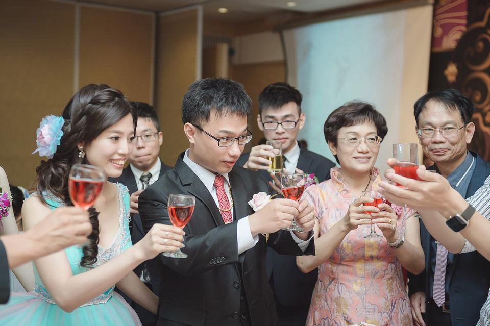 婚禮攝影-台南情定婚宴城堡永康館-76