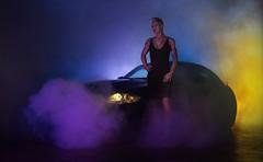 Schall und Rauch (ellen-ow) Tags: auto bmw bmwz4 models nebel shootings weiblich werkstatt werkstattshooting smog person frau woman car light licht nebelmaschine fogger nikond4 verkehr