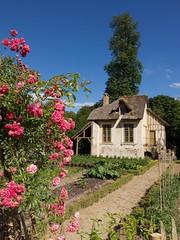 Le hameau (Nicolas -) Tags: chaumire house old versailles france patrimoine muse museum visit visite jardin garden ciel sky summer t tourism tourisme nicolasthomas