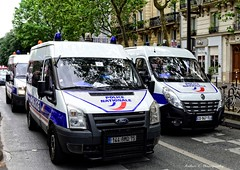 Police Paris - TC CI (Arthur Lombard) Tags: paris france ford riot nikon 911 police renault mo demonstration policecar 17 emergency bluelight manifestation 999 fordtransit policedepartment renaultmaster gyrophare renaulttruck riotunit gyroled nikond7200