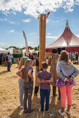 16_ChrisStanbury_Wed (30) (Larmer Tree) Tags: wednesday children village audience sunny streettheatre 2016 chrisstanbury afewfeetup