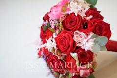 buchet rosu (IssaEvents) Tags: buchet mireasa cu trandafiri rosii si hortenisa rosie bucuresti valcea slatina issaevents issamariage