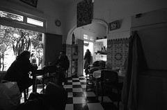Asilah Maroc (miguou) Tags: africa street blackandwhite blancoynegro monochrome pentax nb morocco maroc maghreb rue k5 afrique asilah streetphotographer photoderue surlevif pentaxart pentaxzooms