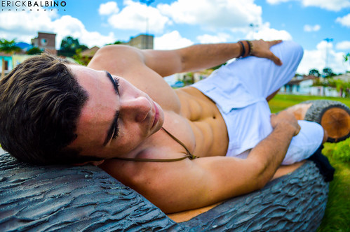 Max Santos image