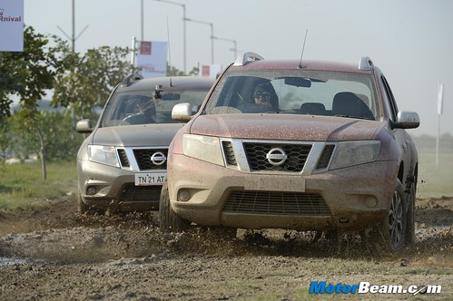 2015-Nissan-Carnival-India-10