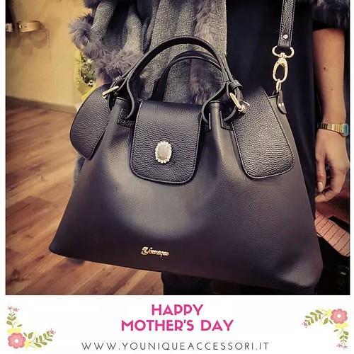 #mothersday #happymothersday #younique #accessori #personalizzati #madeinitaly #handmade #collane #bracciali #fashionjewellery #jewels #bags #accessorimoda #accessoriunici #black