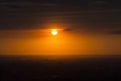Couch de soleil sur la banlieue de Toronto (VdlMrc) Tags: city light sunset sky orange cloud sun toronto ontario canada color landscape soleil town nikon cntower lumire ciel telephoto nuage paysage couleur ville couchdesoleil urbanscenery tourcn paysageurbain teleobjectif d7100 nikkor55300mm