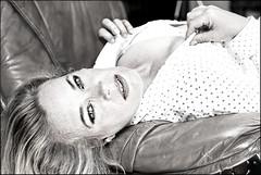 Katze_SAS_7369 (whatStefanSees) Tags: blackandwhite bw woman sexy beauty look shirt 50mm eyes nikon seins noiretblanc poitrine g femme 14 bra longhair gimp portrt nb sensual yeux blond beaut blonde sw augen cleavage frau nikkor potrait schwarzweiss milf blick afs bh regard sensuel schnheit bluse ausschnitt chemise soutiengorge schn d610 sensuelle dcollet sinnlich langehaare bstenhalter cheveuxlongs dekollet dekolletee chemisette geeqie darktable