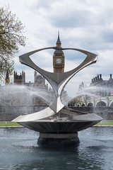 framed (TLoew_Photography) Tags: uk greatbritain england london clock fountain westminster unitedkingdom bigben clocktower