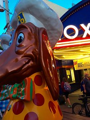 Doggie Diner Head Sees You Looking at Roxie Theater (Lynn Friedman) Tags: sanfrancisco documentary filmfestival 94103 roxietheater doggiedinerheads lynnfriedman sfindiefest docclub sfindiedocfest