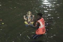 Ganesh Visarjan 2010 (Bangalore) 55 (umakant Mishra) Tags: bangalore hindureligion ganapati visarjana bangaloreevents umakantmishra soubhagyalaxmimishra ganeshvisarjana ursoorlake