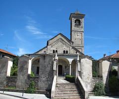 Carpugnino (VB) - Parrocchiale di San Donato e San Grato. (frank28883) Tags: carpugnino brovellocarpugnino verbanocusioossola vergante parrocchiale monumentonazionale chiesa romanico cappelle viacrucis scalinata campanile