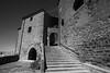 Accseo Castillo Ujué (Garimba Rekords) Tags: blanco calle arquitectura y negro pueblo bn navarra ujué