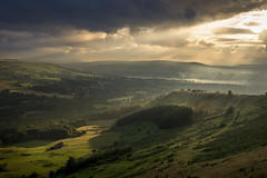 Unexpected sunset beauty (Keartona) Tags: coombes edge charlesworth glossop evening sunset sunlight hills countryside england english summer view mist landscape derbyshire highpeak gorgeous sky sunbeams july