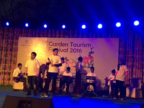 Garden Tourism Festival 2016: Live music performance in progress.