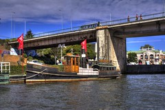 Vapor Collico, Valdivia (Cristian Alczar C.) Tags: chile barco hdr vapor valdivia remolcador rovaldivia losros collico