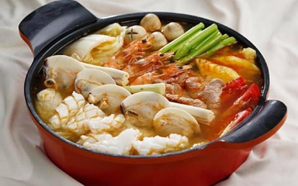 Canh chua Thái