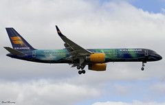 Icelandair (Aurora Borealis Livery) 757-200 TF-FIU (birrlad) Tags: uk colour london airplane iceland airport heathrow aircraft aviation airplanes landing international finals aurora airline boeing arrival airways approach airlines scheme runway decals 757 airliner lhr titles borealis arriving icelandair livery b757 757200 tffiu 757256 b752 09l