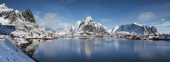 Lofoten - Reine - Panorama (jerry_lake) Tags: snow mountains lofoten olstinden nikond750 lightroom57 21stmarch2015