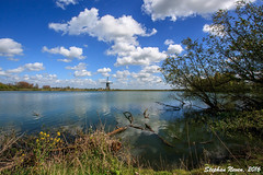 Put van Broekhoven (Stephan Neven) Tags: blue sky cloud lake holland tree mill water dutch grass well typical nederlands bodegraven nieuwerbrug weijpoort putvanbroekhoven