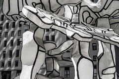 Friday at du buffet (Several seconds) Tags: sculpture building manhattan dubuffet financialdistrict publicworks chaseplaza lightshade downtownmanhattan fidi