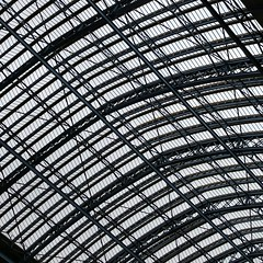 St Pancras (Martin Deutsch) Tags: roof london glass station arches stpancras stpancrasstation