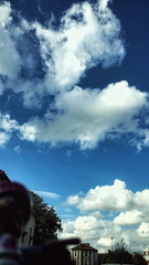 28/06/2016 day 310 : Cloud (shaye.photo@yahoo.fr) Tags: summer sky cloud paris color weather landscape outdoors sunny figurine miss meteorology meteo iphone project365 365days 500px 365photos iphonephoto missmeteo ifttt iphone6s