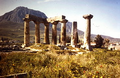 Grce, vacances de Pques 1987. Corinthe, temple d'Apollon (Marie-Hlne Cingal) Tags: 1987 greece grce  hells  diaponumrise