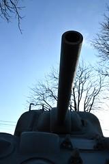 Un p'tit canon ? (jjacqueslepore) Tags: france monument canon nikon tank patton char monuments 1945 lorraine chars 1944 canons urbain libration d3200 ustank blind blinds 54540 badonviller charpatton jeanjacqueslepore