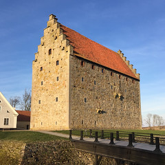 Glimmingehus (Hkan Dahlstrm) Tags: castle architecture photography se skne sweden medieval f22 uncropped sterlen iphone glimmingehus 2015 1531 hammenhg skneln iphonephoto iphone6 iphone6backcamera415mmf22 sek 5906042015182655