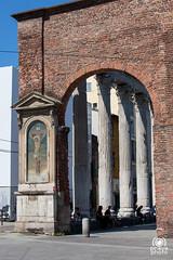 Colonne di San Lorenzo (andrea.prave) Tags: italien italy milan italia milano sanlorenzo colonnedisanlorenzo italie colonne   mailand portaticinese     colonneromane    milanoinfoto