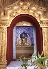2016myanmar_0007 (ppana) Tags: maha myat muni paya shwe kyi myin sandamuni kuthodaw shwenandaw monastery mandalay hill royal palace nyaung shwe nankand canal onelegged fishermen floating gardens phaung daw u pagoda nga hpe chaung festival  shan pao leg rowing monastery jumping cats five buddha sculptures indein rower kakku kakku taunggyi kyauk ta lone pindaya ananda shwezigon shwegugyi thatbyinnyut dhammayangyi gawdapalin mahabophi