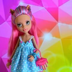 Howleen (Xeniya_) Tags: pink blue blueeyes custom repaint howleen monsterhigh howleenwolf ooakmonsterhigh ooakhowleen