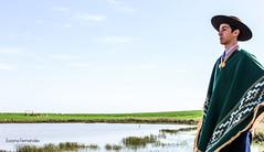 'Guarda pampa' (Suzana Fernandes Fotografia) Tags: poncho pala inverno campo pampa verde rural gacho gaucho campesino natureza livre liberdade chapu rio grande do sul tupanciret tradicion tradio traditional
