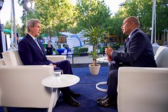 Secretary Kerry Sits With Al Jazeera Washington Bureau Chief at Stanford University (U.S. Department of State) Tags: california youth women aljazeera entrepreneurship paloalto johnkerry entrepreneurs ges stanforduniversity abderrahimfoukara ges2016