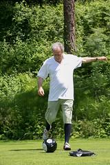 013 (patrizia lanna) Tags: persone albero allenatore buca calcio campo esterno footgolf giocatore gioco golf luce memorial movimento natura palla panorama parco prato verde rapallo italia