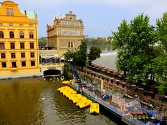 The yellow boats of Prague (oobwoodman) Tags: bridge river boats prague prag praha tschechien tschechischerepublik boote bateaux most pont czechrepublic brcke fluss vltava schiffe pedalos rpubliquetchque moldau lavka karlsbrcke esko eskrepublika tchquie karlvmostoldtown