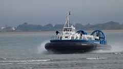 Hovercraft Video (BOB@ wootton) Tags: ferry video portsmouth isle wight hovercraft iow ryde hovertravel