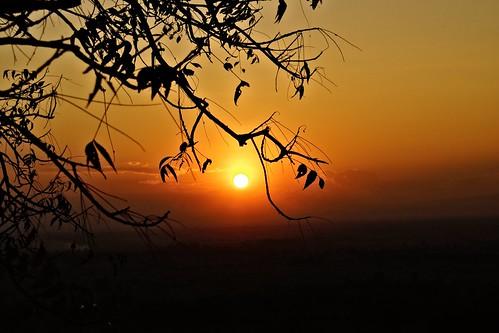 COUCHER DE SOLEIL A Po Win Taung - les grottes
