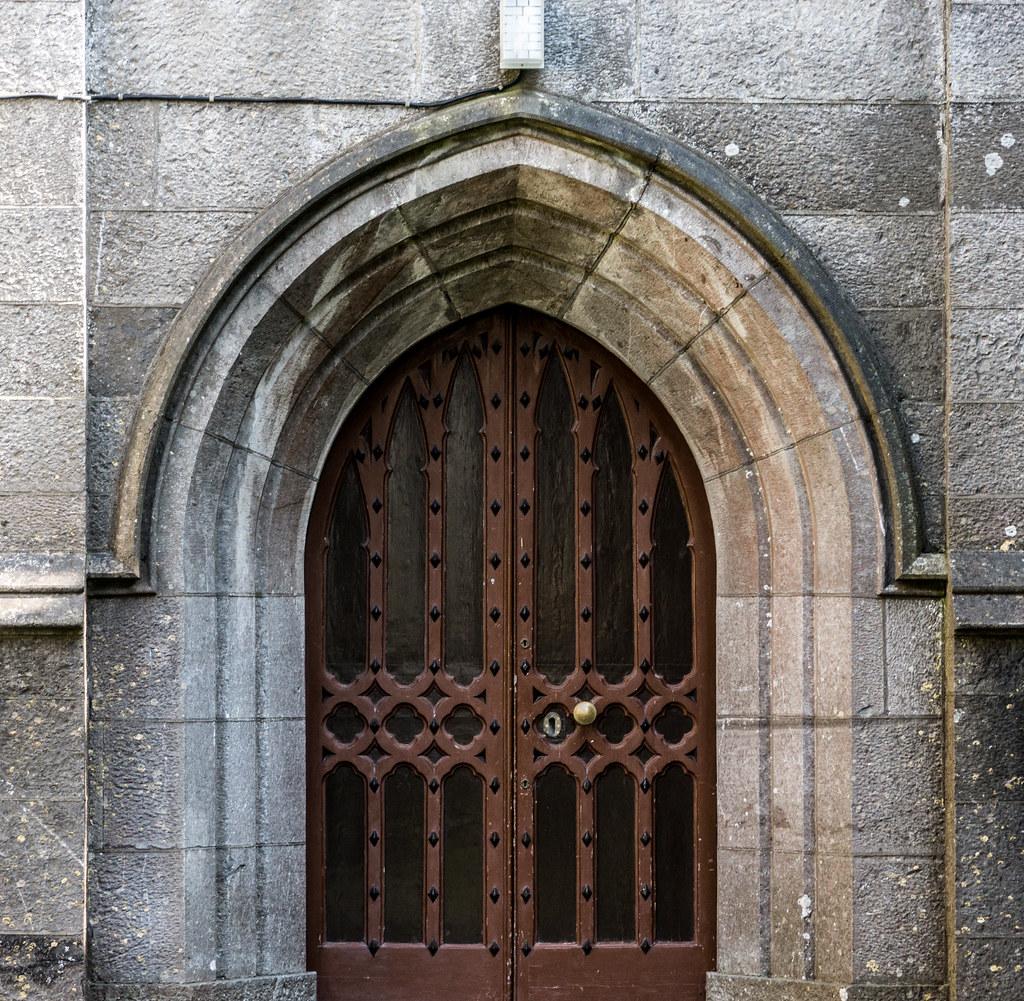ST. COLUMBA'S CHURCH IN SWORDS {April 2015] REF-103364