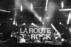 Kurt Vile & The Violators - La Route Du Rock - 2014 (Ludovic Macioszczyk Photography) Tags: world life camera light 2  music 6 3 france film monochrome true festival rock analog vintage 1 la vacances photo concert nikon kodak kurt lumire 5 trix 4 band picture 7 8 9 bretagne pic du scan iso route 400 135 fm fr groupe saintmalo vile musique vie appareil violators the 2014 ludovic ngatif saintpre dveloppement macioszczyk