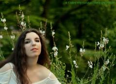 DSC_1503+ (SuzuKaze-photographie) Tags: portrait woman lyon bokeh femme parc swirly helios442 suzukazephotographie